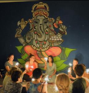 Yoga Bomb Eröffnungsfeier